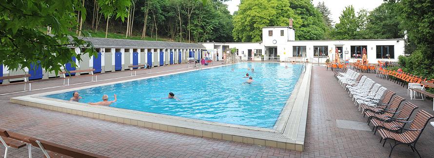 Auf dieser Seite finden Sie alles über das Thermalfreibad Bad Bodendorf
