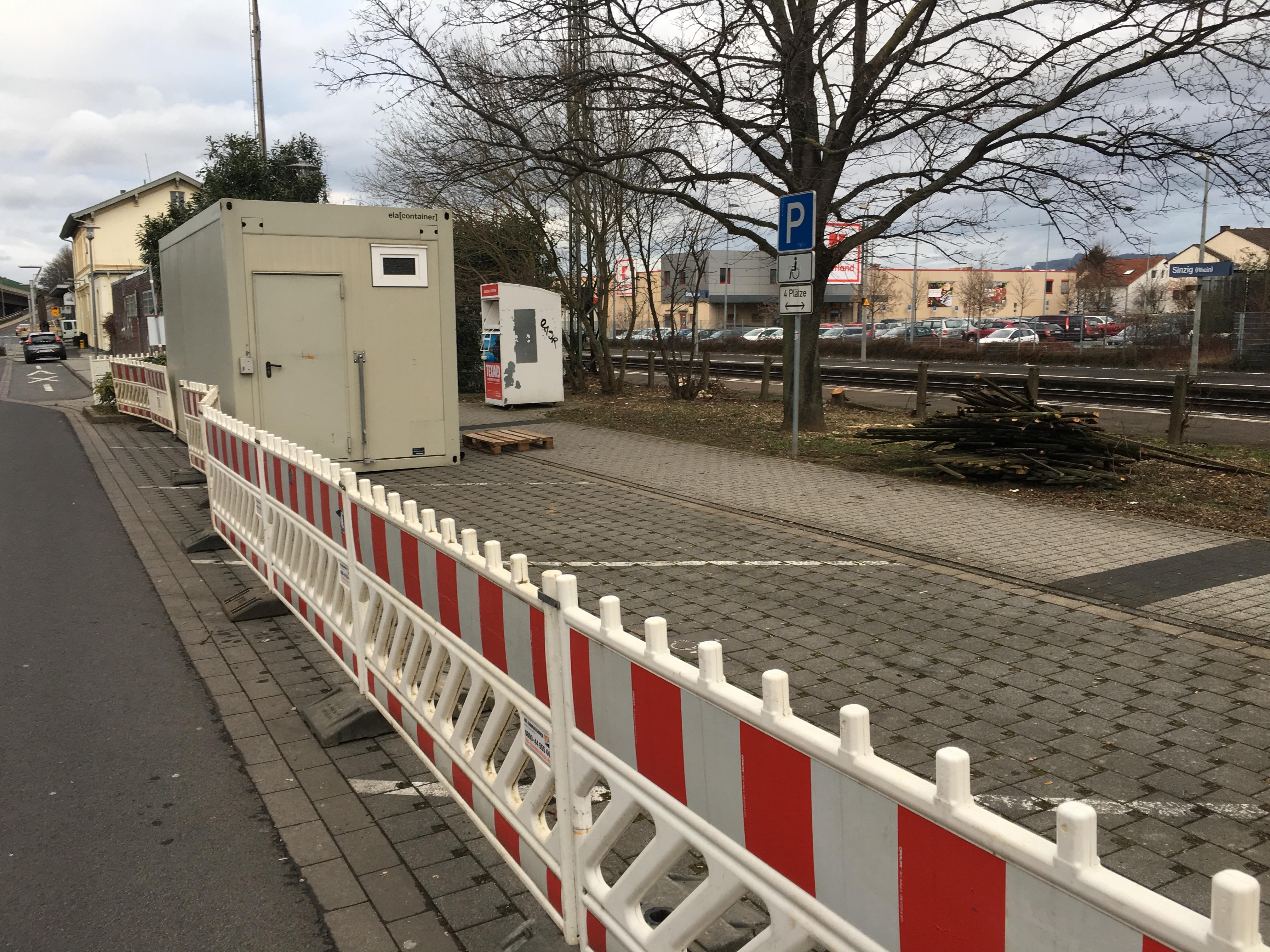 Aufgrund der Modernierung am Bahnhof sind derzeit Verkehrsbeeinträchtigungen erforderlich