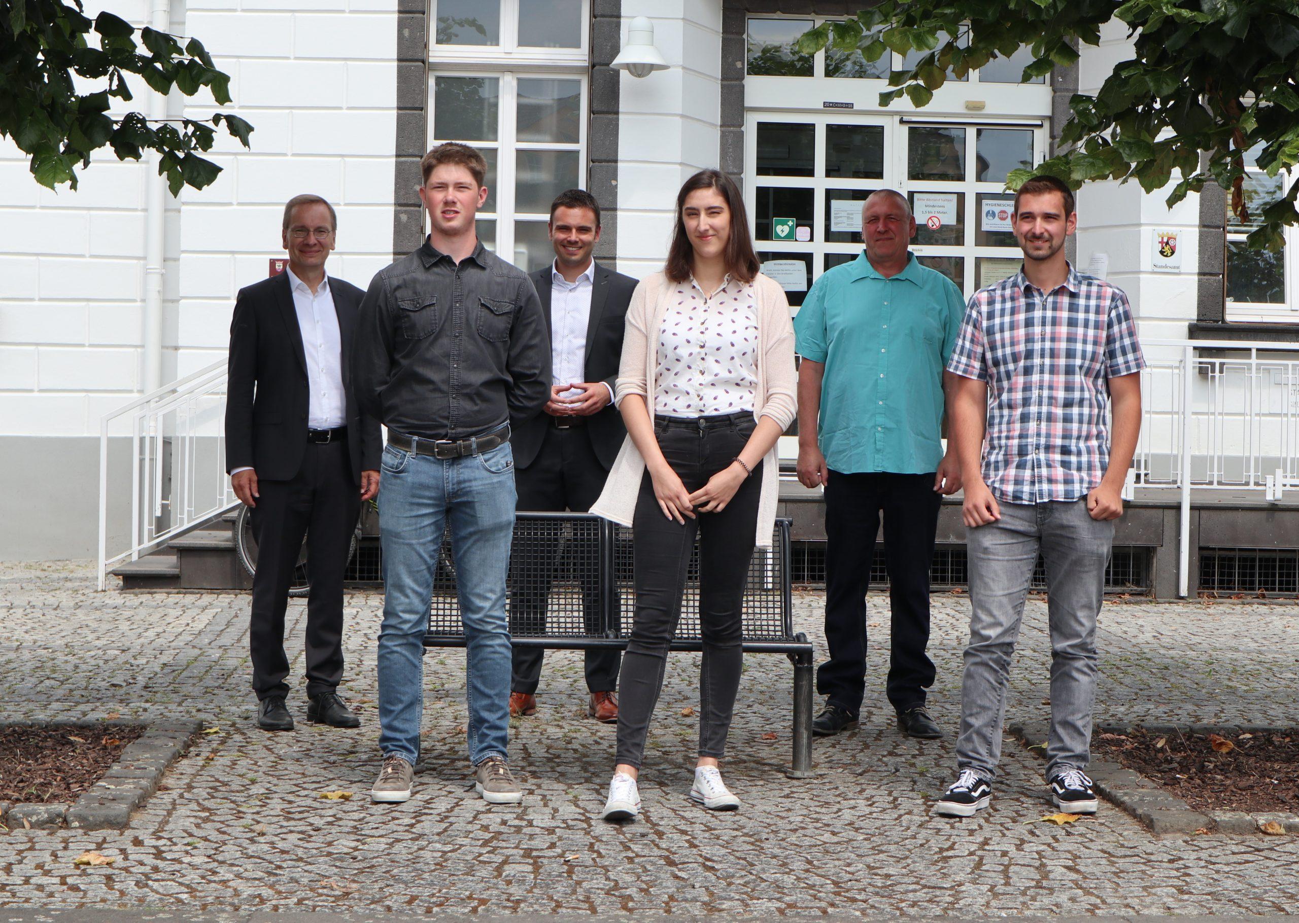 Erfolgreiche Absolventen verstärken das Team der Stadtverwaltung